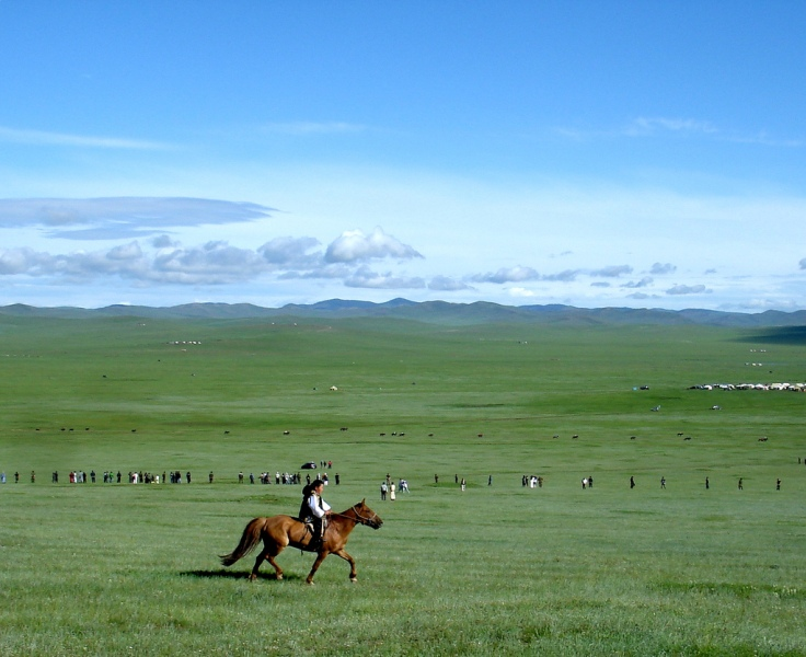 horse_race_in_mongolian_steppes